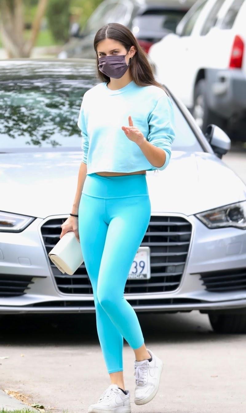 Sara Sampaio Heading to Pilates Class in Los Angeles 11 Apr-2021