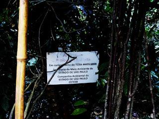 Limite que Cetesb impõe contra entrada de pessoas na mata do Parque Estadual do Jaraguá