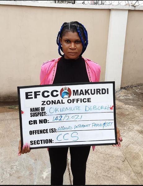 Yahho girl arrested by EFCC in Benue state (Photos)