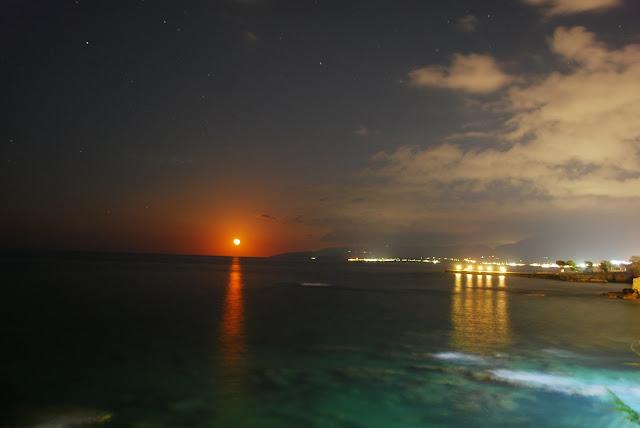 Восходящая кровавая луна, Херсонисос, Крит. Hersonissos, Crete