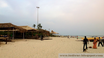 Beach shackien rakentamista Goassa syksyllä  2012
