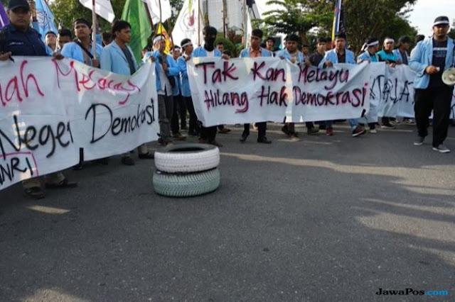 Demo Mapolda Riau, Mahasiswa Beri Waktu 5 Hari Usut Persekusi Neno Warisman