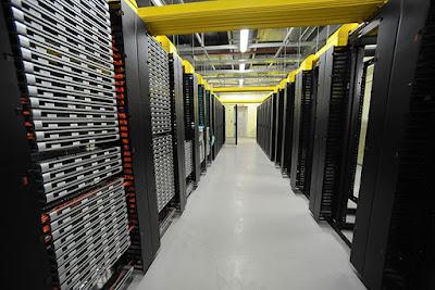 """Минкомсвязь предлагает хранить данные по """"пакету Яровой"""" месяц, а потом увеличить до полугода"""