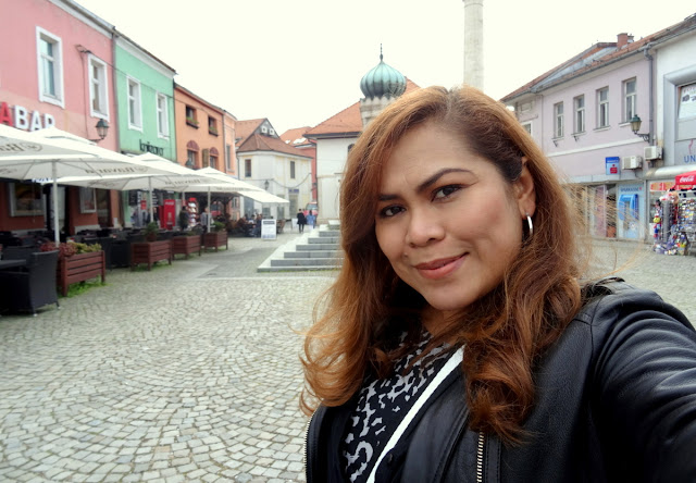 Dutched Pinay at Trg Slobode, the main square of Tuzla