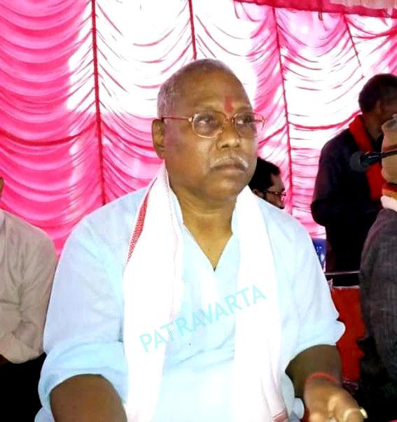 """BREAKING पत्रवार्ता : जब """"पूर्व मंत्री"""" """"गणेश राम भगत"""" ने """"मंत्री अमरजीत"""" को बताया अपना """"बेटा""""और कहा """"बेटे को पेशा कानून पढ़ने की जरुरत है,""""बाक्साईड खनन"""" के विरोध में मुसलाधार बारिश के बीच """"आदिवासियों का जनांदोलन"""""""