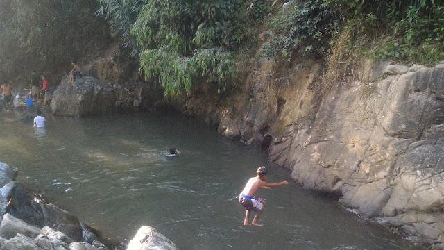 Balon Falls Dive