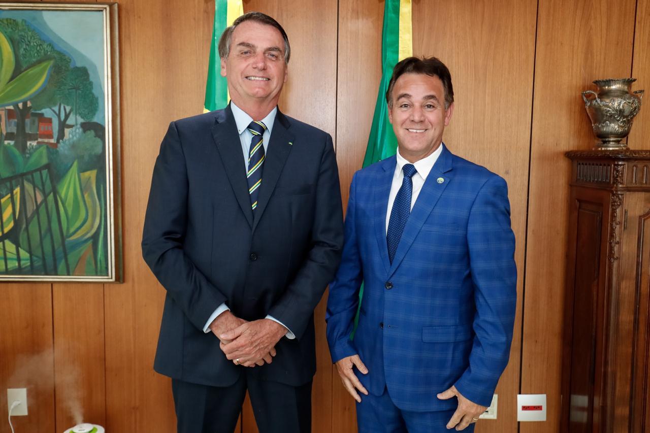 Nº 1 do Patriota, que pode receber Bolsonaro, destinou R$ 1,1 milhão de verba pública a parentes