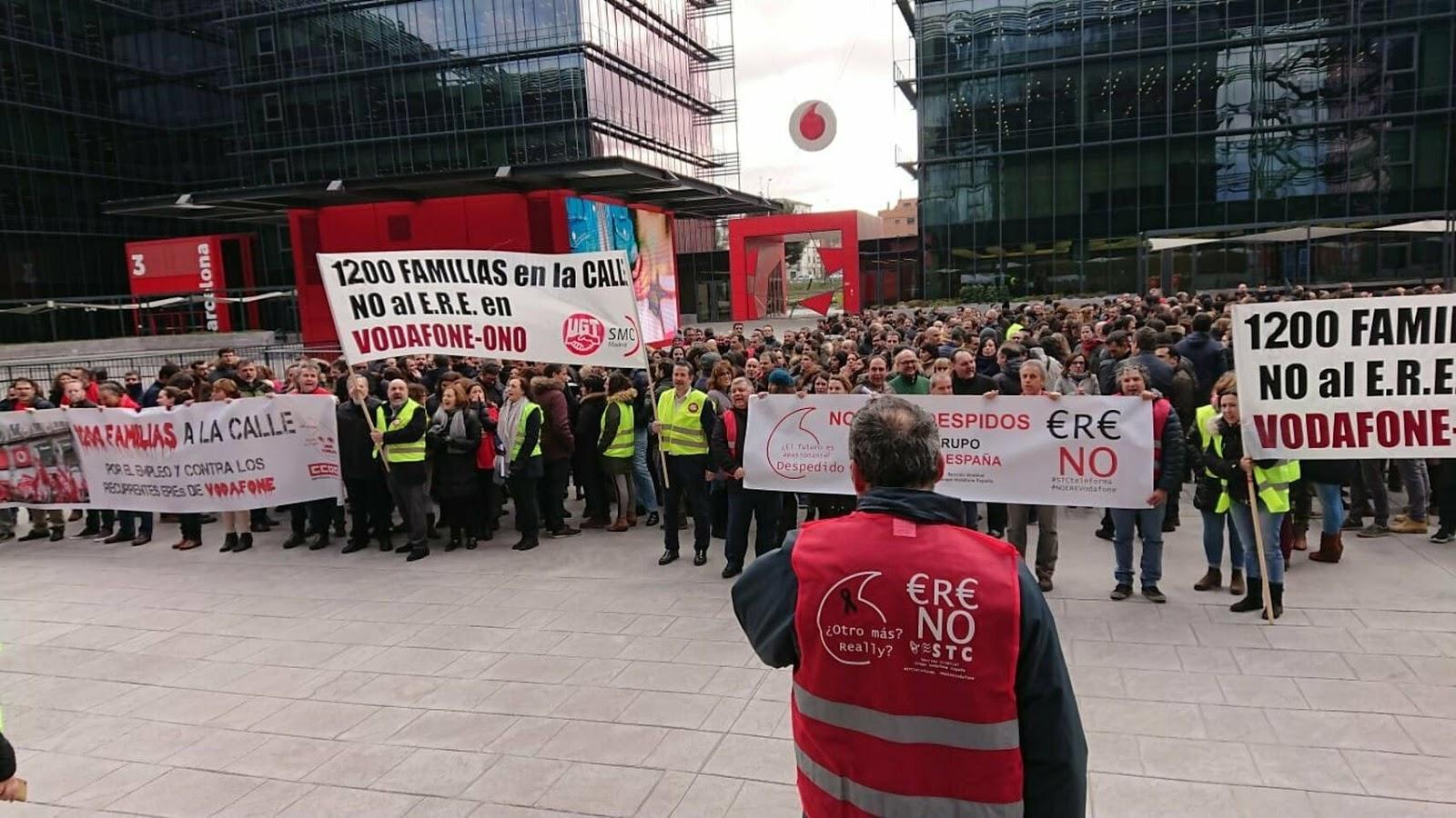 Paros de los trabajadores Vodafone en Vodafone Plaza
