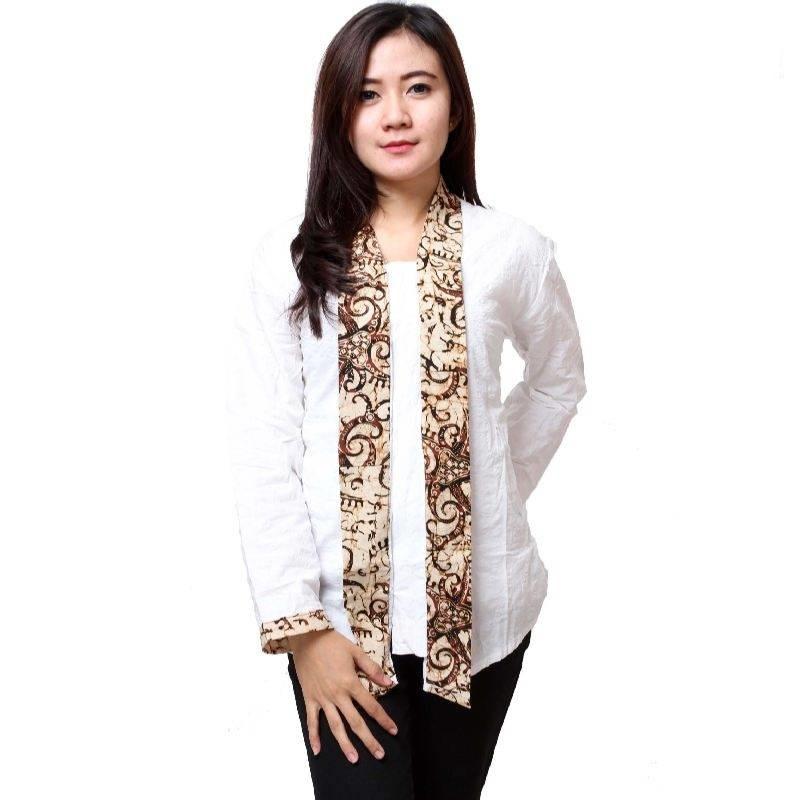 Model Baju Kombinasi Batik: 10 Model Baju Batik Kantor Wanita Kombinasi, Eksotis