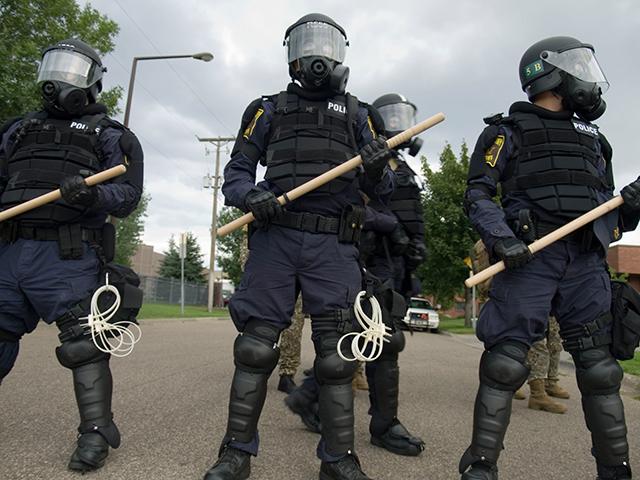 Боевые приёмы с использованием резиновой палки: приёмы защиты и комбинированная