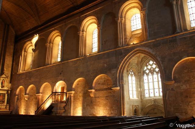 Gli interni della Basilica di Saint Saveur a Dinan
