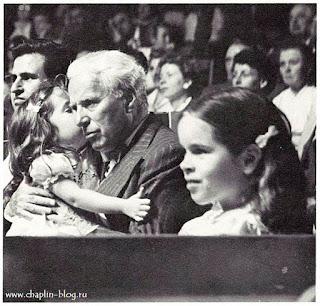 Чарльз Чаплин с дочерьми в цирке Кни, Швейцария, 1953 г.