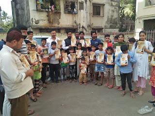 प्रभाग 9 के विद्यार्थियों को लांग-बुक का वितरण | #NayaSaberaNetwork