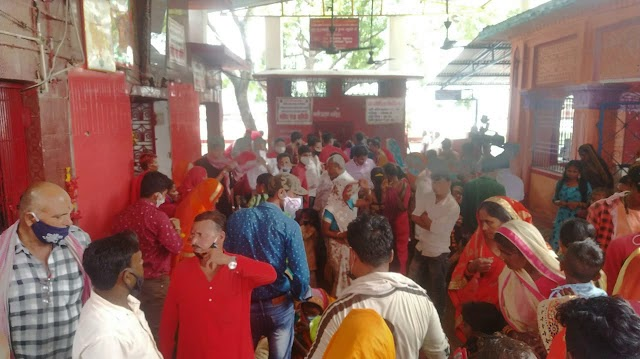उच्चैठ मन्दिर में उमड़ी लोगो की भीड़ , प्रशासन नाकाम