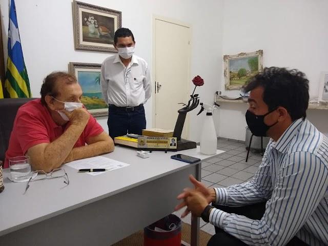 Reitor da UFDPar, Alex Marinho, solicitou ajuda ao prefeito Mão Santa para construção do Hospital Universitário de Parnaíba