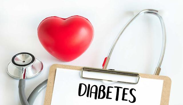 डायबिटीज रोगियों के लिए धीमा जहर है ये 4 आहार, शुगर को नियंत्रित कर पाना मुश्किल