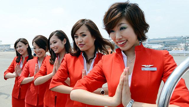 Молода и прекрасна: какие требования предъявляют к cтюардессам в мире