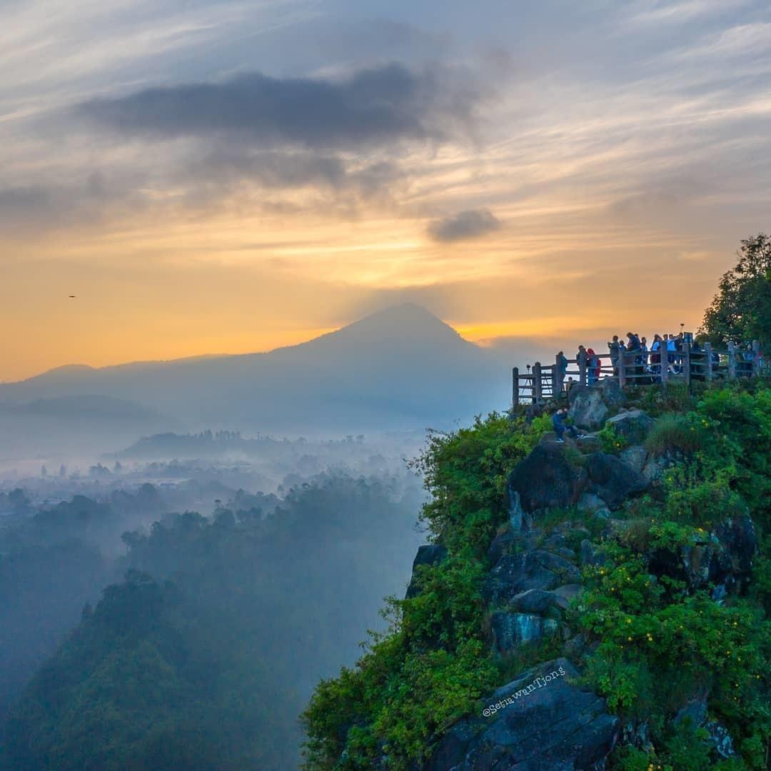 Keindahan Alam Tebing Keraton Bandung