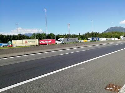النمسا تقدم نصائح لسائقي الشاحنات تجنبهم خطر التورط في عمليات تهريب اللاجئين
