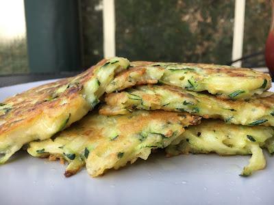 Cheesy zucchini patties / courgette