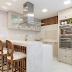 Cozinha neutra clássica e contemporânea com churrasqueira escondida!