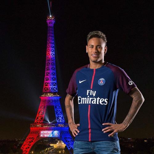 اولاد برحيل24...نيمار يعرب عن تأثره بحفاوة المشجعين ويؤكد: باريس أبهرتي.. لم أتخيل ذلك حتى في أحلامي
