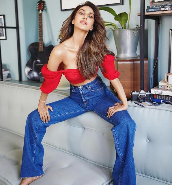 Indian Actress Vaani Kapoor Latest HD Photos 2021 Navel Queens