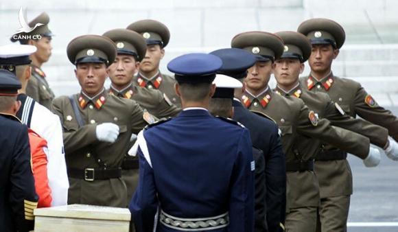 """Báo Hàn: """"Gần 200 lính của Triều Tiên chết vì Covid-19"""""""