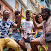 Roberto Kuelho enaltece as mulheres em novo reggaeton gravado na Bahia, junto a Roça Sound e Arthur Ramos. Confira 'Uau!'