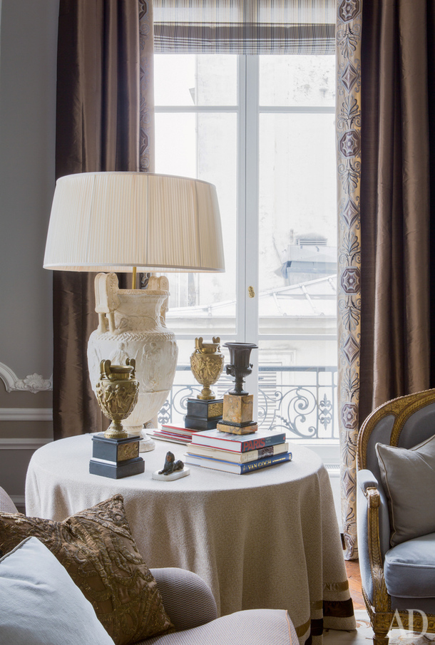 Apartment in the style of Louis XVI at Paris from decorator Jean-Louis Deniot