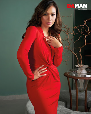 Adinia Wirasti artis cantik dan seksi manis REd Dress Hot manis