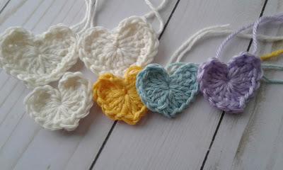 crochet small hearts