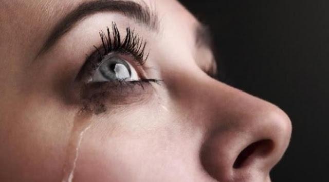 Manfaat Menangis Saat Mendengarkan Lagu Sedih