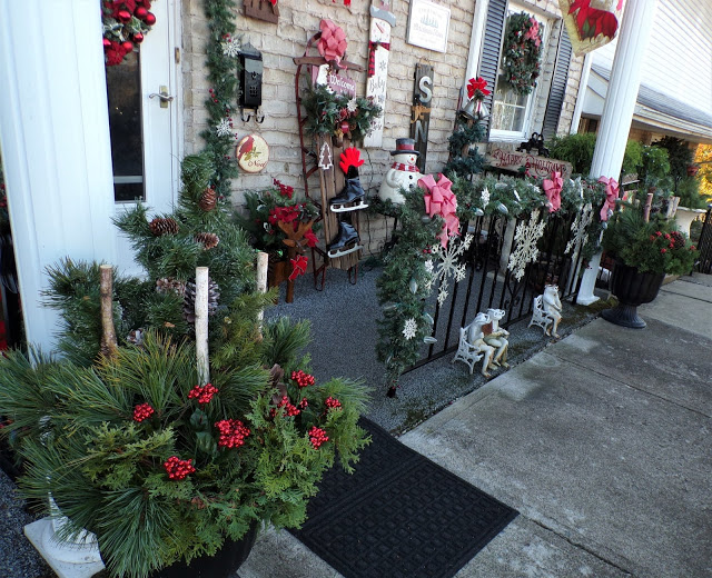 Christmas Front Porch and Yard