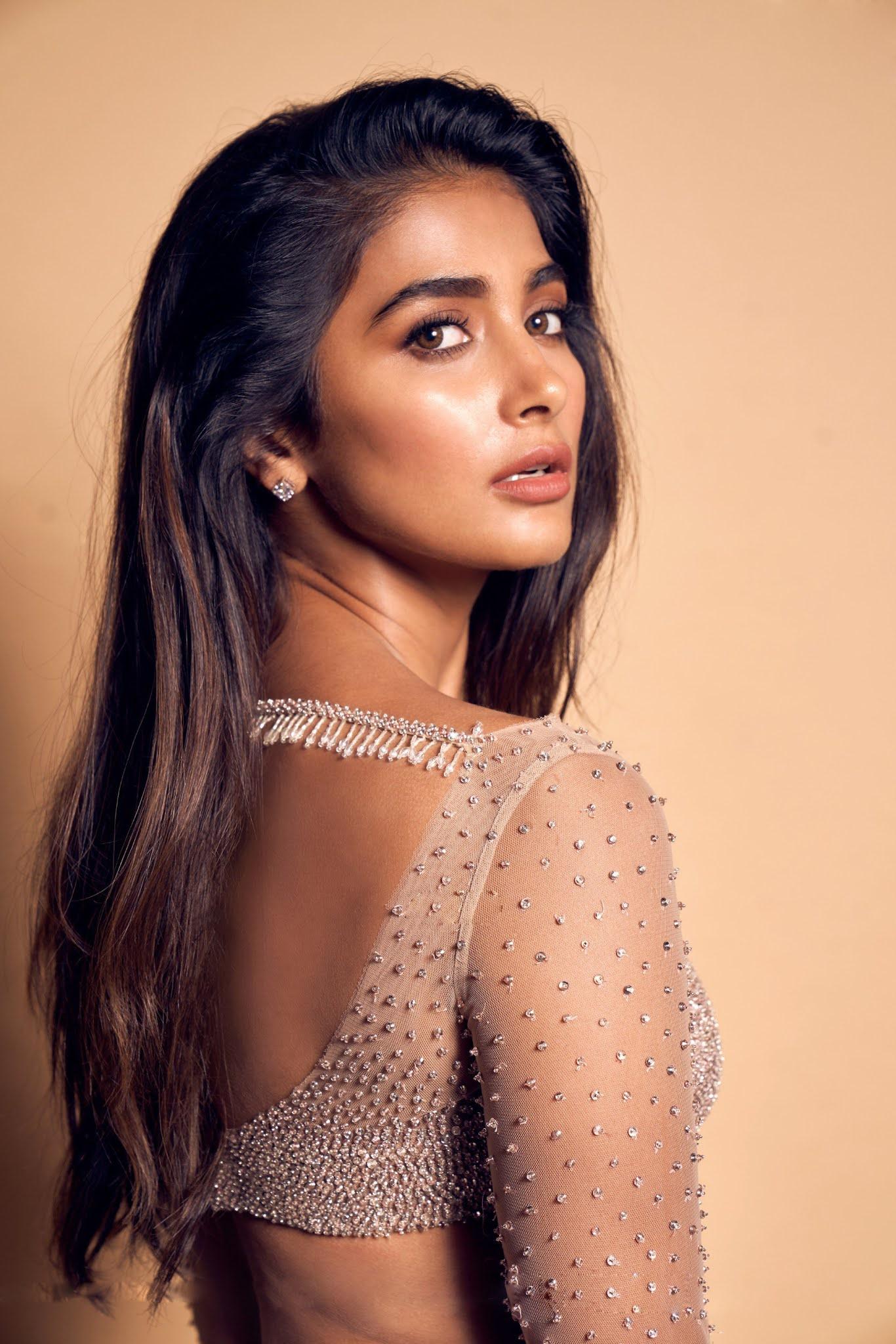 Actress Pooja Hegde    Glam Photoshoot