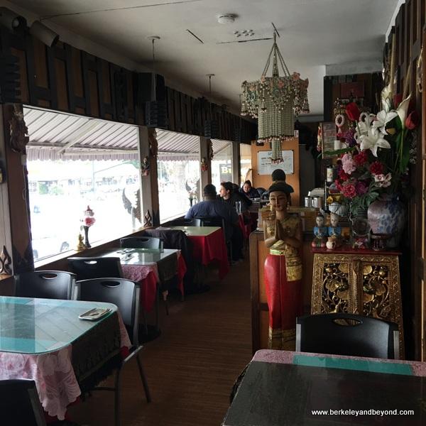 interior of Sa Wooei Thai restaurant in El Cerrito, California