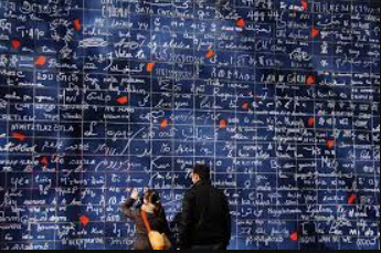 Le Mur des Je T'aime or the Wall of Love
