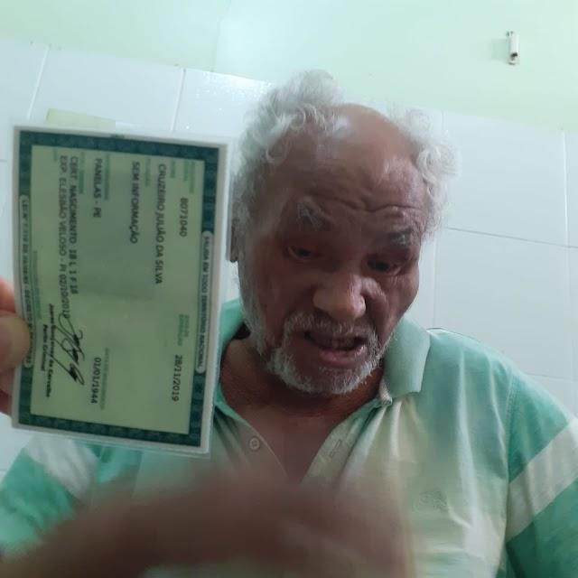 """EM TEMPO: Pedinte Cruzeiro Julião, o """"Pochá"""" faleceu semana passada em Elesbão Veloso aos 76 anos"""
