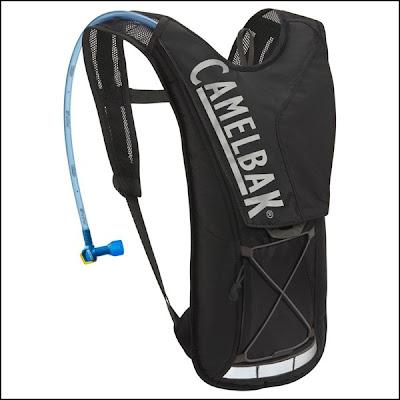 Camelback ou poche à eau dans un sac à dos