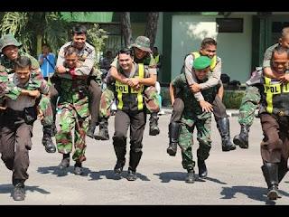 VIDEO Pasca Bentrok Polman, TNI-Polri Kompak Patroli Bareng