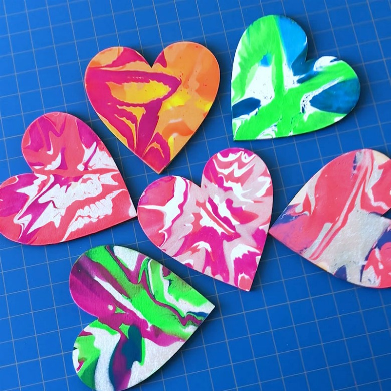 preschool valentine spin art heart craft