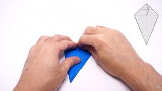 Cách gấp máy bay giấy phong cách Origami 8