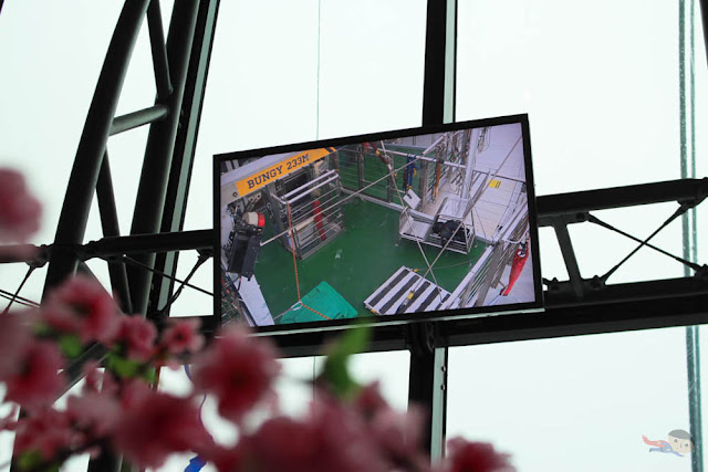 Bungy jump viewing area in Macau Tower
