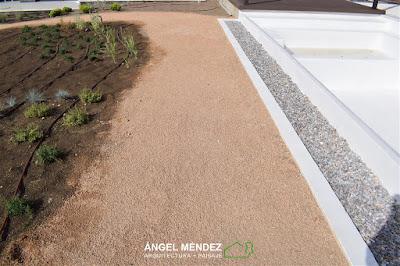 Jabre granítico, jabre rojo, caminos jardines, diseño jardines, estudiar paisajismo