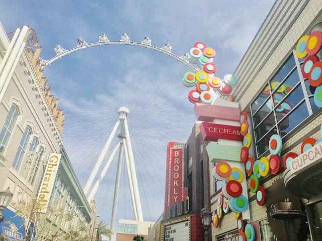 LINQ Promenade, Caesars Entertaiment, Las Vegas, Travel Nevada