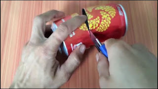 Membuat Lampu Minyak dari Kaleng Bekas