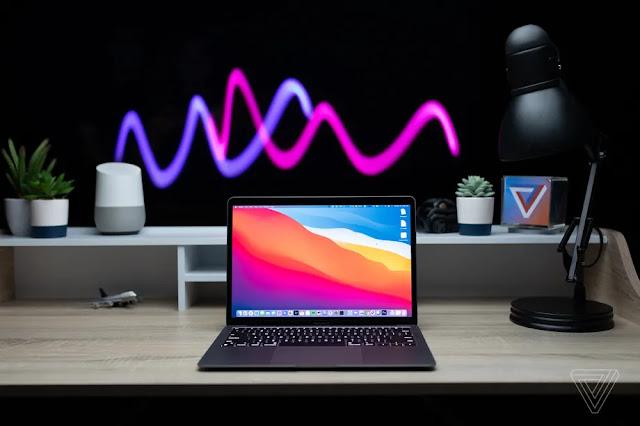 MacBook Air với màn hình LED Mini 13 inch