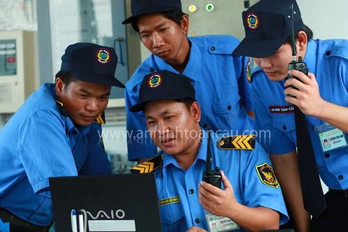Đào tạo dịch vụ bảo vệ nhà hàng