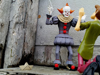 NECA Toony Terrors IT 2017 Pennywise Action Figure