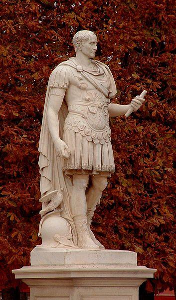 estátua de Julio Cesar - calendario juliano